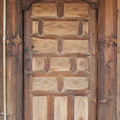 Wooden doors by Restorizm Mimarlık Restorasyon Proje Taah. Ltd. Şti,