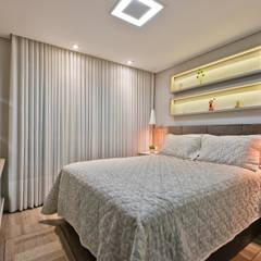 Apartamento ES: Quartos pequenos   por Luciana Ribeiro Arquitetura