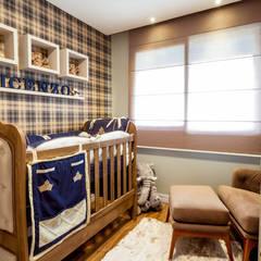Dormitorios de bebé de estilo  por Luciana Ribeiro Arquitetura