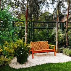 Un jardín donde el cliente se pueda sentir en un oasis particular.: Jardines de piedra de estilo  por Marcia Lenz Paisajismo
