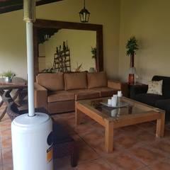 Remodelación de Quincho en Salta por A3 Arquitectas: Livings de estilo  por A3 arquitectas
