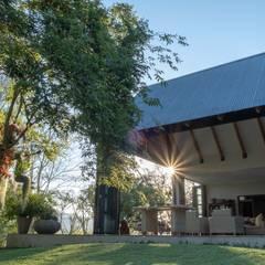 Verandah Extension:  Patios by ENDesigns Architectural Studio