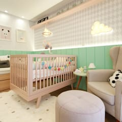 Baby room by ALESSANDRA  NAHAS arquitetura