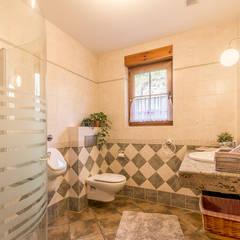 Baño: Baños de estilo  de Home & Haus | Home Staging & Fotografía