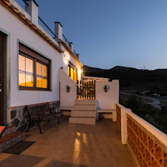 Terrace by Home & Haus | Home Staging & Fotografía, Rustic