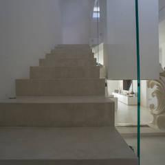 Rivestimento in microcemento: Pavimento in stile  di RIMPER SAS di Galli Adriano e C.