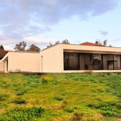 Villa by Jesus Correia Arquitecto