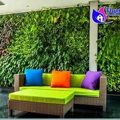 10 Gambar Desain Taman Vertikal (Vertical Garden): Gedung perkantoran oleh Tukang Taman Surabaya - flamboyanasri, Modern Besi/Baja