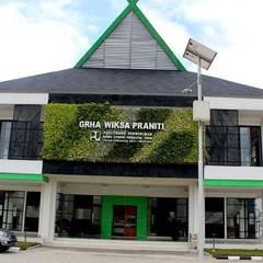 Office buildings by Tukang Taman Surabaya - flamboyanasri