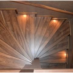 Escaleras de estilo  por Bünyamin Erdemir Tasarım ve Uygulama