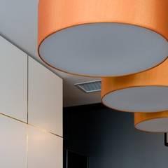 Яркий элегантный интерьер: Столовые комнаты в . Автор – 'Комфорт Дизайн'