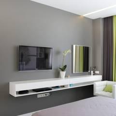 Kleine slaapkamer door 'Комфорт Дизайн'
