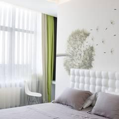 Small bedroom by 'Комфорт Дизайн'