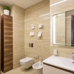 Позитивный современный интерьер: Ванные комнаты в . Автор – 'Комфорт Дизайн'