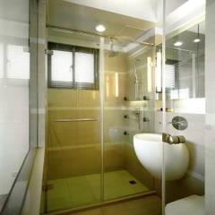 水岸長堤渡假宅– 劉公館:  浴室 by 京采空間設計