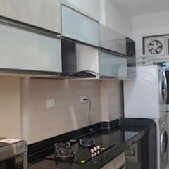 Raheja Vista Pune:  Kitchen units by decormyplace
