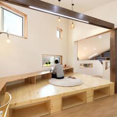 좁은땅을 디자인으로 극복한 용인주택: 주택설계전문 디자인그룹 홈스타일토토의  거실