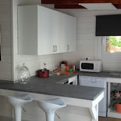 Small kitchens by Casetas de Madera