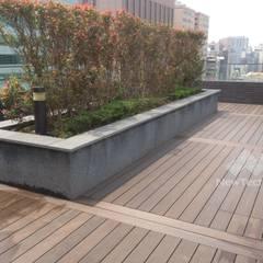 Projekty,  Taras na dachu zaprojektowane przez 新綠境實業有限公司