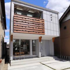 บ้านขนาดเล็ก by 遠藤浩建築設計事務所 H,ENDOH  ARCHTECT  &  ASSOCIATES