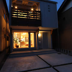 Small houses by 遠藤浩建築設計事務所 H,ENDOH  ARCHTECT  &  ASSOCIATES