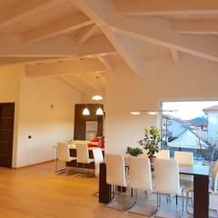 Villa Prefabbricata di Lusso: Casa prefabbricata  in stile  di Avantgarde Construct Luxury Srl