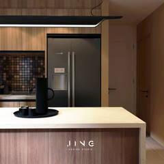 Kaohsiung 謝宅:  系統廚具 by 景寓空間設計