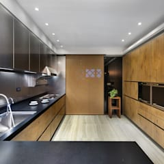 Built-in kitchens by 宸域空間設計有限公司