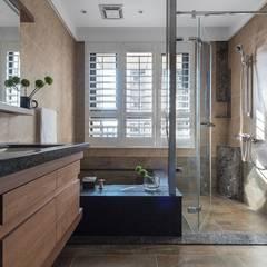 Bathroom by 宸域空間設計有限公司