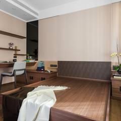 Phòng ngủ nhỏ by 宸域空間設計有限公司