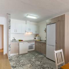 آشپزخانه by Home & Haus | Home Staging & Fotografía
