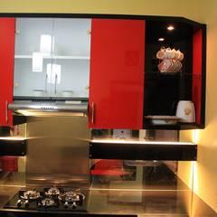 Built-in kitchens by Koloni Tri Arsitama
