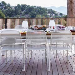 Villa Contemporaine: Terrasse de style  par Pixiflat