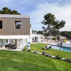 Villa Contemporaine: Maisons de style  par Pixiflat