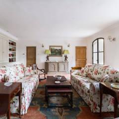 Villa Provençale: Salon de style  par Pixiflat