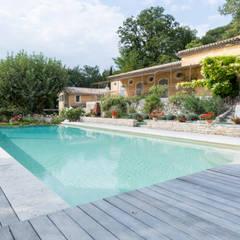 泳池 by Pixiflat
