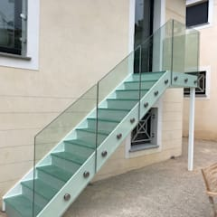 External glass staircase :  Garden by Ion Glass