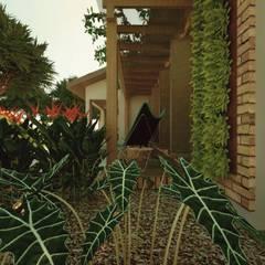 บ้านสำเร็จรูป by Cíntia Schirmer | Estúdio de Arquitetura e Urbanismo