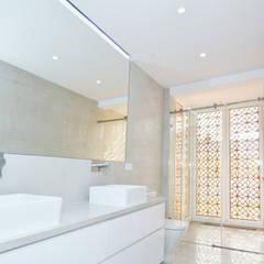 BañoBaño: Baños de estilo  de SP_Arquitectura