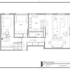Pequeno, grande apartamento Estoril: Corredores e halls de entrada  por Inêz Fino Interiors, LDA
