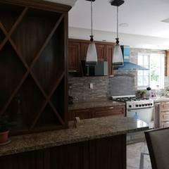 Cozinhas pequenas  por Spazio Diseño de Interiores & Arquitectura