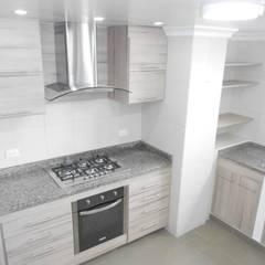 Built-in kitchens by Maestro Arte & Construcción