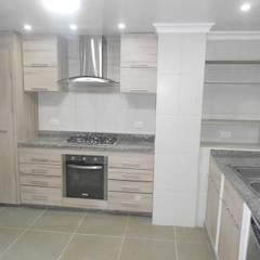 Remodelacion cocina: Cocinas integrales de estilo  por Maestro Arte & Construcción, Clásico Aglomerado