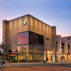 METROCENTRO Business Habitat : Espacios comerciales de estilo  por QR ARQUITECTURA Y DESARROLLOS