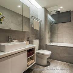 新北市五股區九揚萊茵堡電梯住宅:  浴室 by Hi+Design/Interior.Architecture. 寰邑空間設計