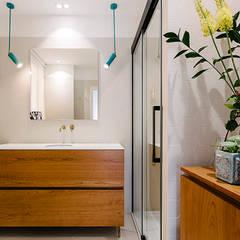 Baño Principal: Baños de estilo  de nimú equipo de diseño