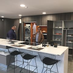 Built-in kitchens by ALVIC