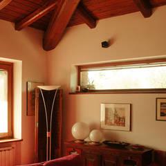 Country house: Sala da pranzo in stile  di VITAE DESIGN studio di architettura