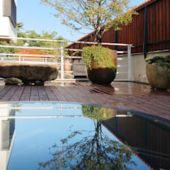 建築設計 白居 LH House:  露臺 by 黃耀德建築師事務所  Adermark Design Studio