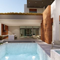 Garden Pool by DAMAJO Grupo Inmobiliario